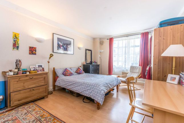 Thumbnail Flat for sale in Upper Woburn Place, Bloomsbury