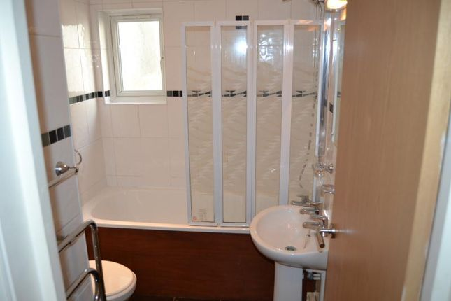 Thumbnail Flat to rent in Albany Road, Roath Cardiff