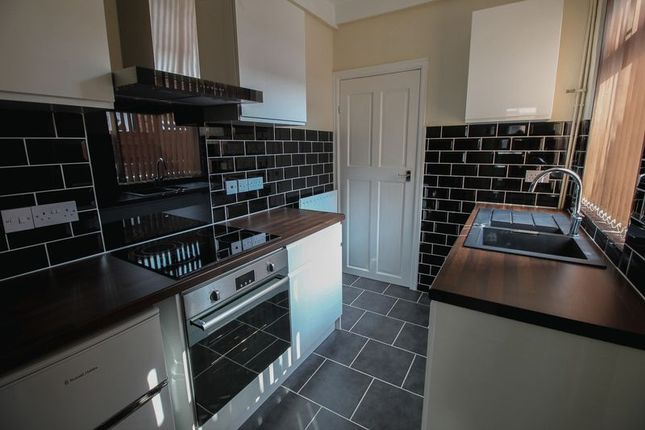 Thumbnail Terraced house to rent in Field View, York