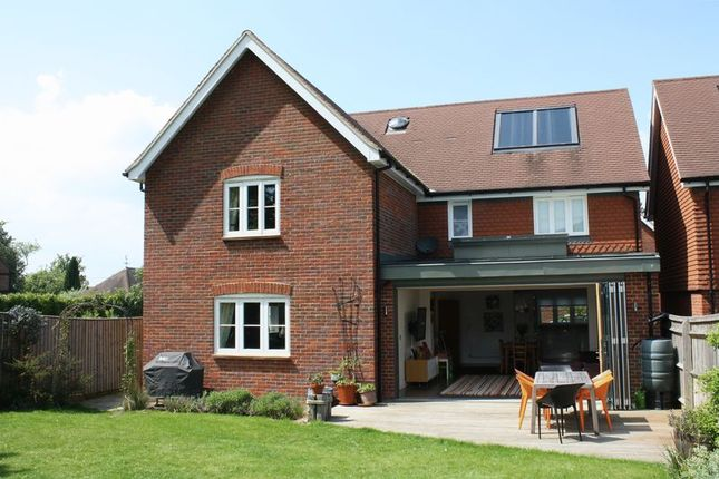 Thumbnail Detached house to rent in Oak End Way, Chinnor