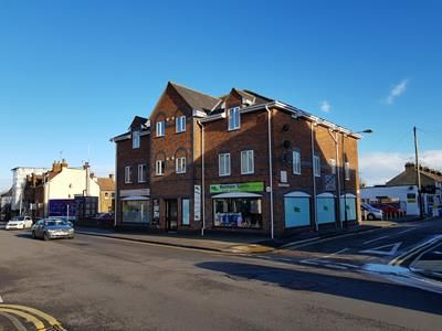 Thumbnail Commercial property for sale in 76 Station Road, Rainham, Gillingham
