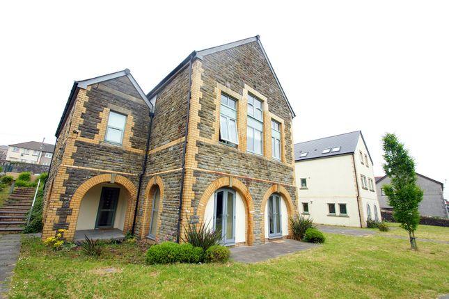 Thumbnail Flat to rent in Tredegar Avenue, Llanharan, Pontyclun