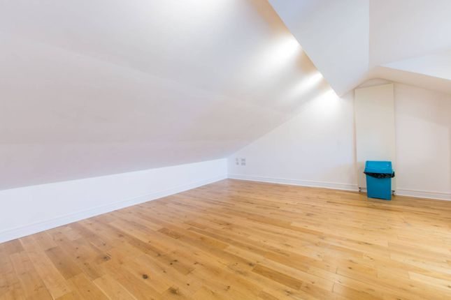 Thumbnail Flat to rent in Ashely Road, Crouch End, London