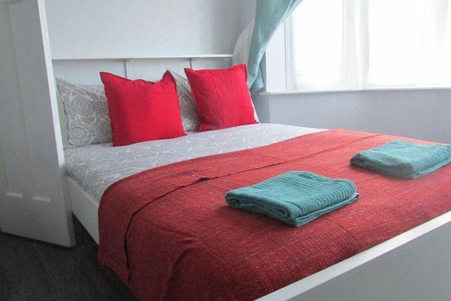 Thumbnail Flat to rent in Houghton Regis, Houghton Regis