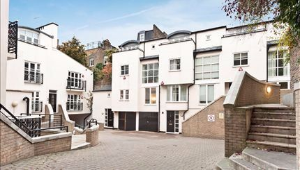 Flat to rent in Peony Court, Park Walk