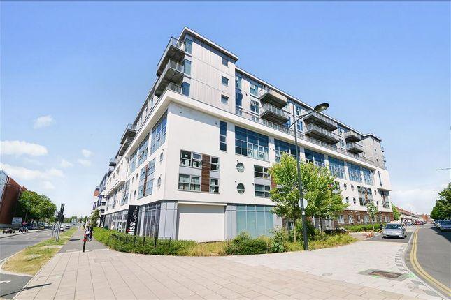 Thumbnail Duplex to rent in Beckhampton Street, Swindon