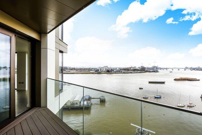 Balcony of The Lighterman, Pilot Walk, Greenwich Peninsula SE10