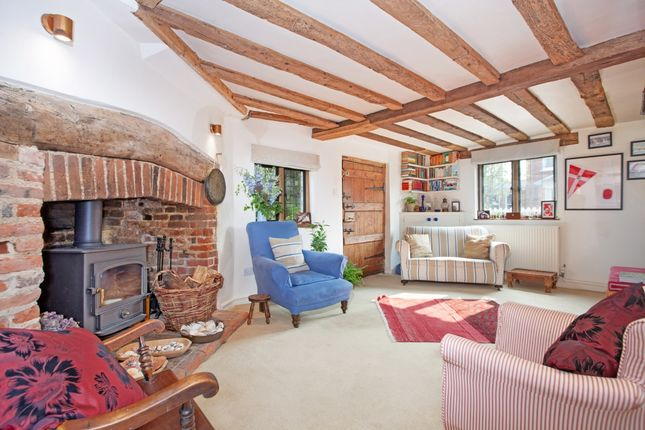 Thumbnail Cottage to rent in High Street, Bray