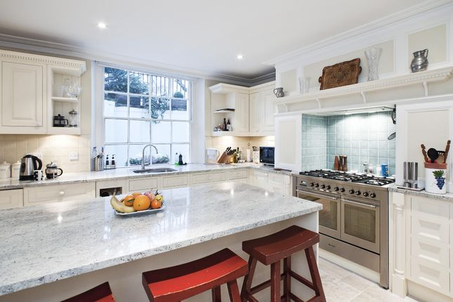 Thumbnail Terraced house to rent in Thornhill Square, London