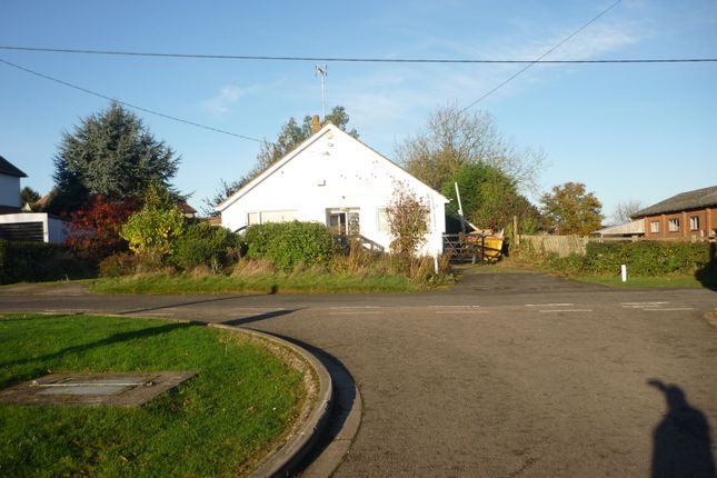 Thumbnail Detached bungalow to rent in Vicarage Lane, Denton, Northampton, Northamptonshire