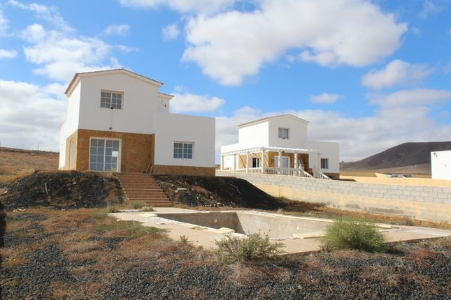 Villa for sale in Triquivijate, Triquivijate, Canary Islands, Spain