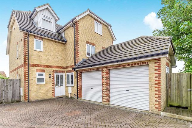 Thumbnail Detached house for sale in Broomhill Road, Strood, Rochester