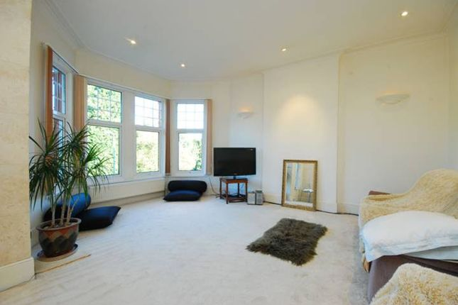 Thumbnail Terraced house to rent in Park View Road, London