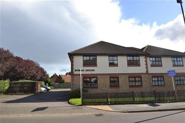2 bed flat for sale in Rowan House, 120-130 Hatton Road, Bedfont