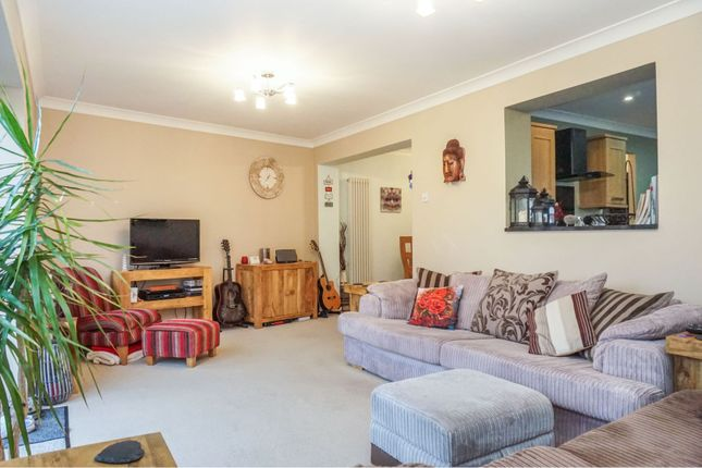 Living Room of Woodlands Road, Hockley SS5