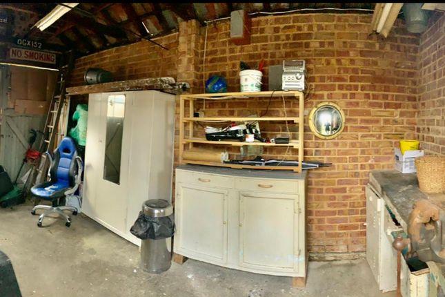 Gallery of Wood End Way, Northolt UB5