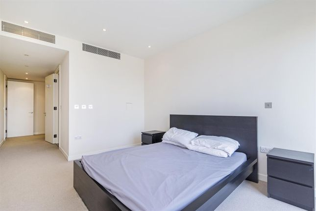 Master Bedroom of Cubitt Building, Grosvenor Waterside, 10 Gatliff Road, Chelsea, London SW1W