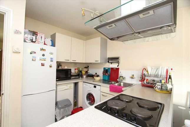 2 bed flat to rent in City View, Centreway Apartments, Axon Place, Ilford IG1