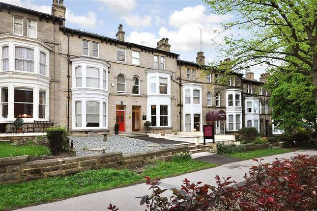 Thumbnail Town house for sale in Kings Road, Harrogate, North Yorkshire