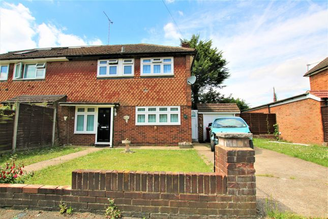 Thumbnail Semi-detached house to rent in Meadowbrook Close, Colnbrook, Slough