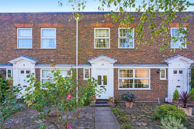 Picture No. 24 of Hanover Walk, Weybridge, Surrey KT13