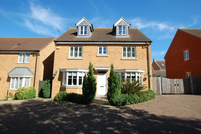 5 bed detached house for sale in Daltons Shaw, Orsett, Grays