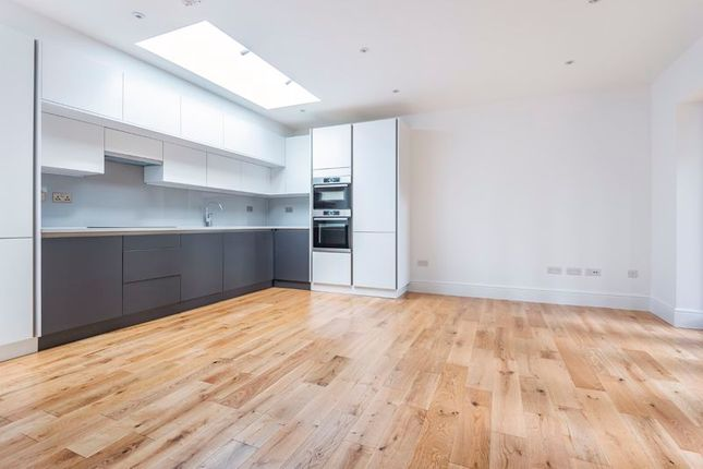Photo 12 of 158 Foxley Lane, Purley CR8