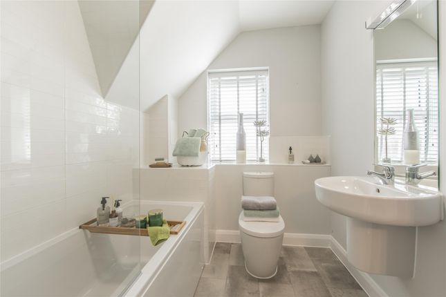 Family Bathroom of Richmond Grove, Mangotsfield, Bristol BS16