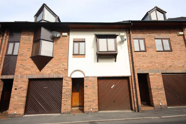 Thumbnail Property to rent in Trinity Street, Leamington Spa