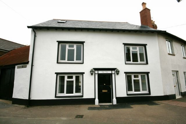 Thumbnail Cottage to rent in High Street, Topsham, Exeter