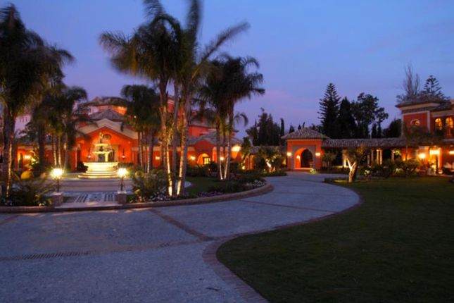 Thumbnail Property for sale in Beachfront Villa, 12 Bedrooms, Golden Mile, Marbella