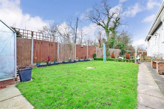 Thumbnail 2 bed mobile/park home for sale in Shenley Park, Headcorn, Kent
