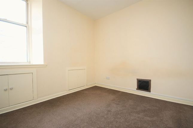 Bedroom of 46A North Street, Bo'ness EH51