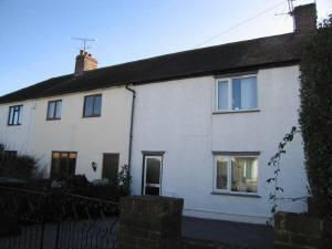 Thumbnail Semi-detached house to rent in Lincoln Road, Guildford