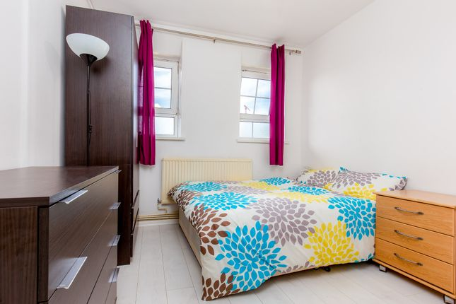 Thumbnail Shared accommodation to rent in Reardon Street, London