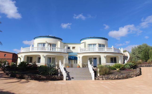 Thumbnail Villa for sale in Parque Holandes, Parque Holandes, Canary Islands, Spain