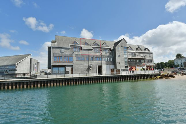 Thumbnail Flat for sale in Discovery Quay, Falmouth