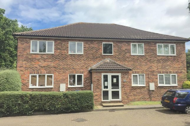 Thumbnail Flat to rent in The Swallows, Welwyn Garden City