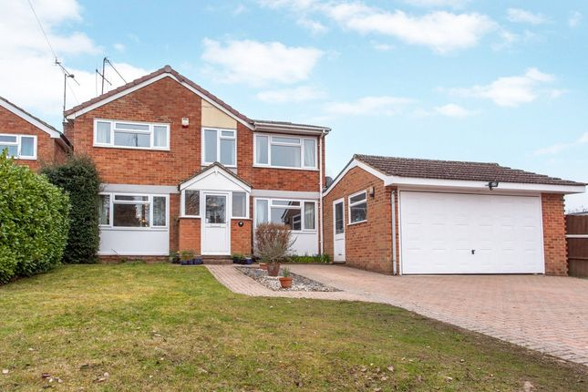 Thumbnail Detached house for sale in Hurst Road, Twyford, Berkshire