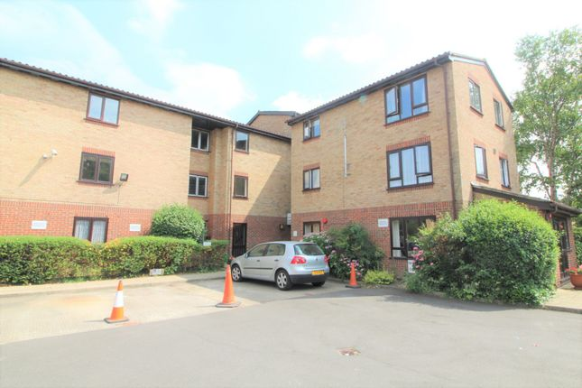 Thumbnail Property for sale in Ainsley Close, Edmonton, London