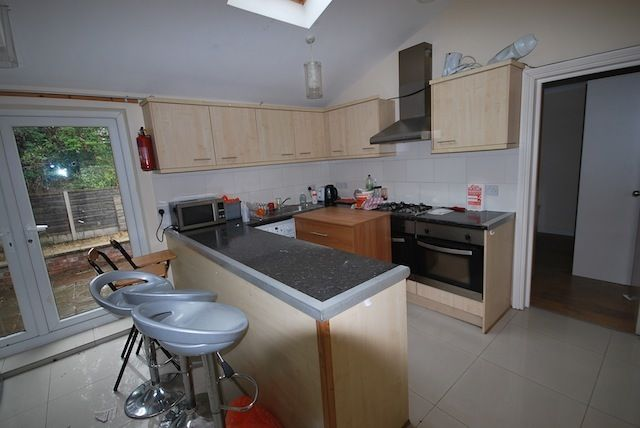 Thumbnail Semi-detached house to rent in Hove Drive, Fallowfield, Manchester