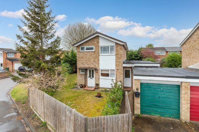 3 bed detached house for sale in Mowbray Crescent, Stotfold, Herts SG5