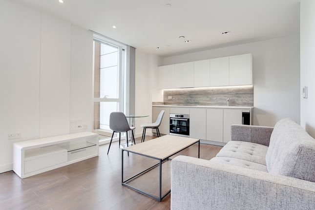 Studio for sale in Woodberry Down, London N4