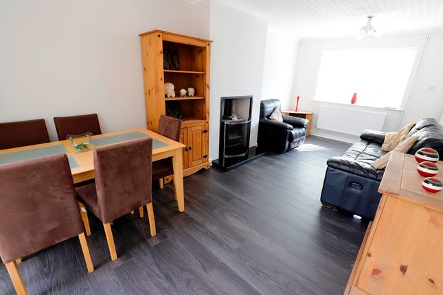 Thumbnail Room to rent in Pennine Way, Newcastle-Under-Lyme