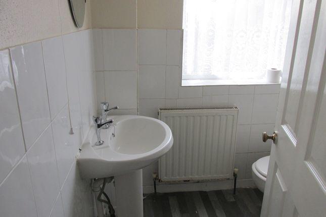 Bathroom of 220 Kimberworth Road, Rotherham S61, Kimberworth,