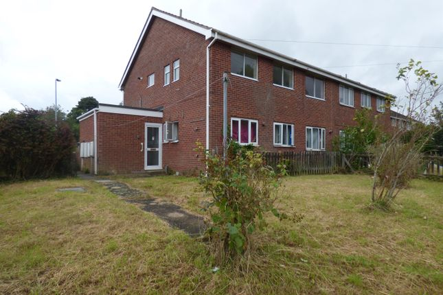 Thumbnail Flat for sale in Badminton Way, Louth