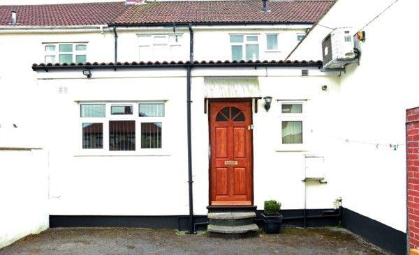 Thumbnail Studio to rent in Southmead Road, Westbury-On-Trym, Bristol