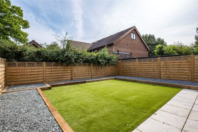 Thumbnail Detached house to rent in Barnet Road, Barnet, Hertfordshire