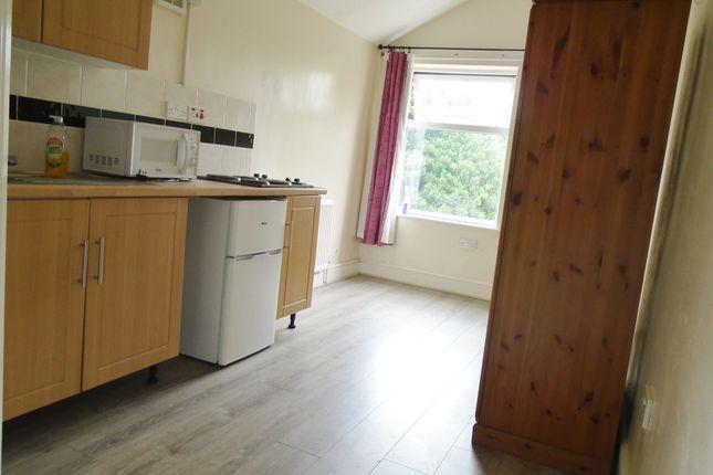 Thumbnail Flat to rent in Minstead Road, Erdington, Birmingham