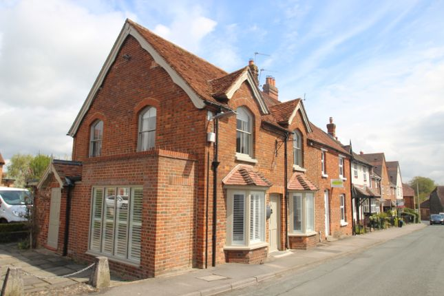 1 bed flat for sale in Station Road, Kintbury RG17